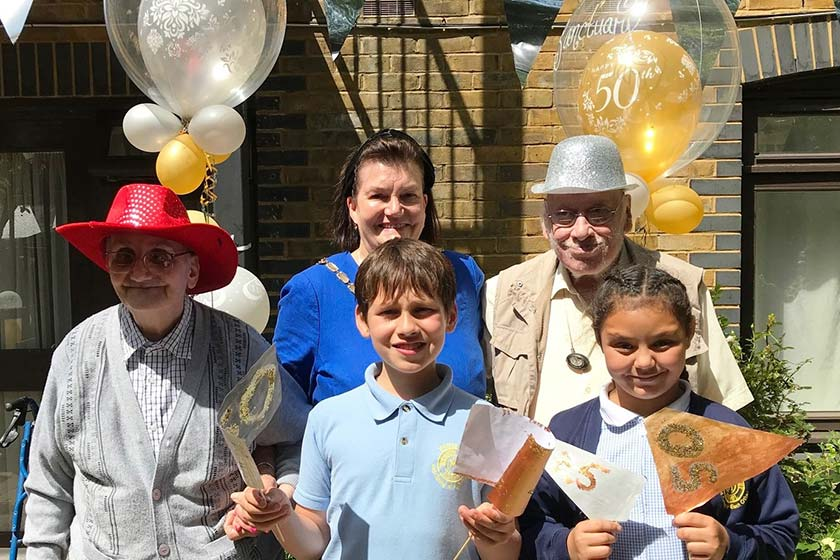 Colliers Wood residents and students celebrate anniverary milestones