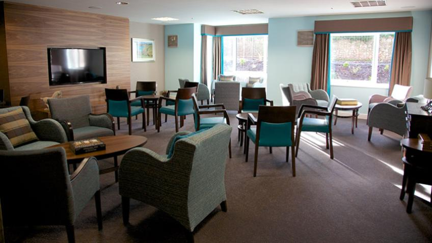 Whitley Court dining area