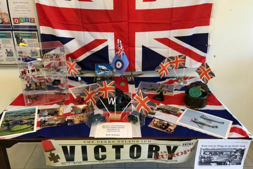 A picture of Gravesend retirement service celebrates VE Day