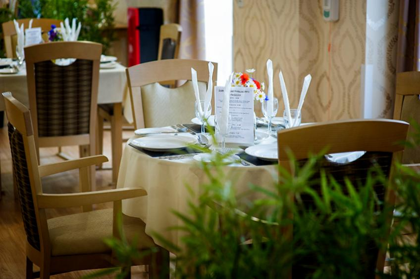 A picture of Doddington Court has received a five-star hygiene rating for the restaurant