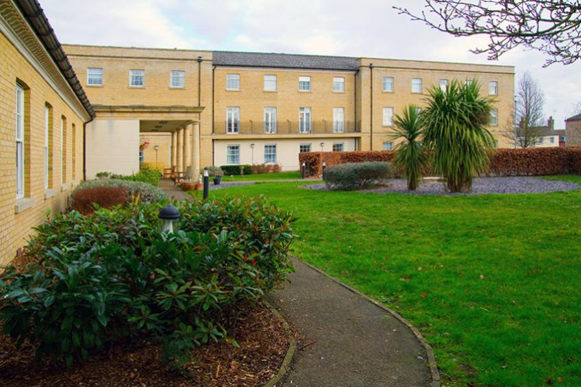 The lawn area at Jubilee Court Retirement Living