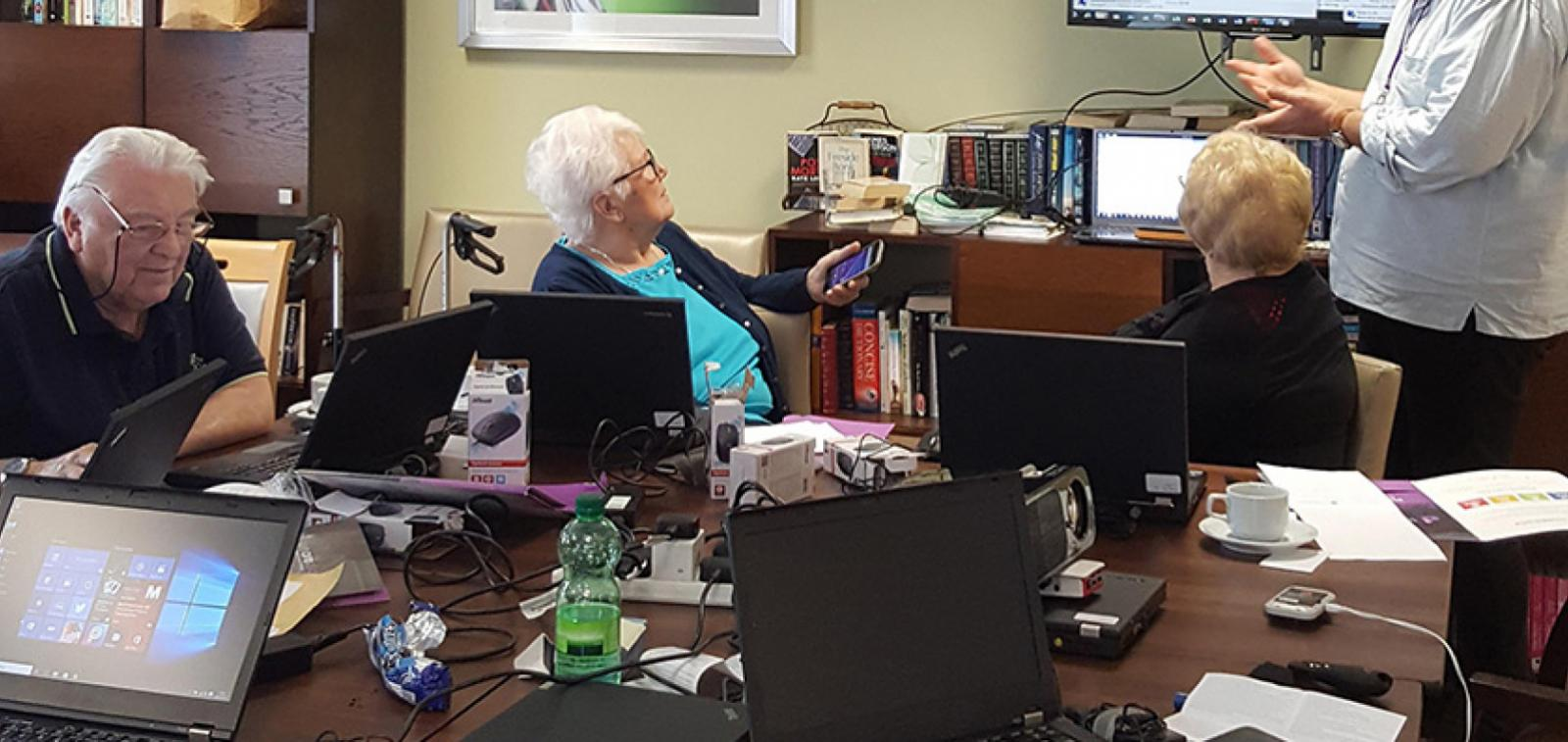 Sanctuary Retirement Living residents learning how to get online